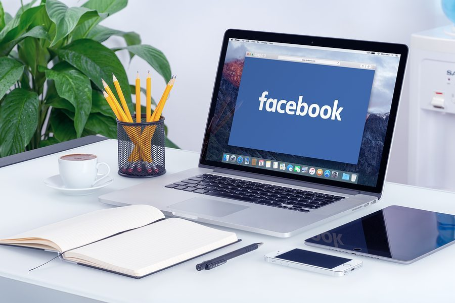 facebook on laptop - When to Throw in the Facebook Towel
